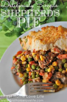 Easy Shepherd's Pie via www.firsthomelovelife.com