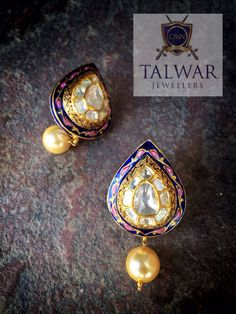 Gorgeous Polki studs! Absolutely classy for any occasion! Exclusively available at CBSN Talwar jewellers, New Delhi-India. For queries,Contact: info@talwarjewellers.in or call: +91 11-45012629 #polki #indianjewellery #finejewels #royal #jewellery #earrings