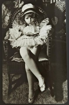 In 1965 the esteemed photographer Irina Ionesco began photographing her young daughter, Eva Ionesco. Thus began a collaboration which culminated in this extraordinary testament to the beauty of a girl child as witnessed through the lens of her mother's eye.