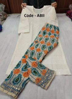 New Ideas For Sewing Clothes Women Dresses Design Kurta Designs Women, Salwar Designs, Blouse Designs, Sewing Clothes Women, Dress Clothes For Women, Indian Designer Outfits, Designer Dresses, Salwar Dress, Salwar Suits