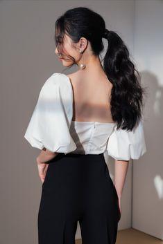 Square Nack White Top | ELPIS Korean Casual Outfits, Simple Outfits, Simple Dresses, Classy Outfits, Chic Outfits, Fashion Outfits, Korean Fashion Work, Korean Fashion Trends, Elegant Outfit