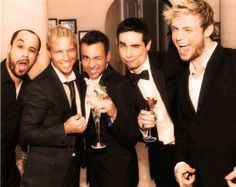 Awww, love this pic.  If I'm not mistaken, this is Howie's wedding.
