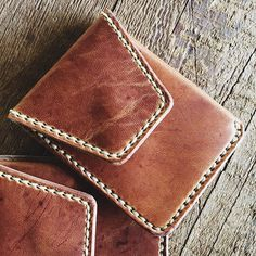 @slolley just finished up a couple of Natural Dublin front pocket wallets and they are perhaps the most beautiful ones she's made yet. This leather is out of this world!