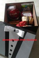 Chocolateria Doce Paladar - cestas de café da manhã: Cesta ele adora chá - 29 itens