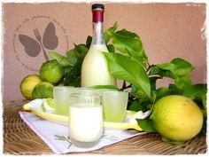 E dopo la ricetta del limoncello, ecco anche quella della crema di limoncello, meraviglia di cremosità da gustare ghiacciata. La ricetta me l'ha spiegata m