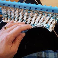 Best Images loom knitting weaving Strategies Easy and Amazing Loom Knitting Pat. Best Images loom knitting weaving Strategies Easy and Amazing Loom Knitting Patterns for 2019 – Loom Knitting Blanket, Loom Scarf, Loom Knitting Stitches, Giant Knitting, Knifty Knitter, Loom Knitting Projects, Knitted Blankets, Easy Knitting, Knitting Ideas