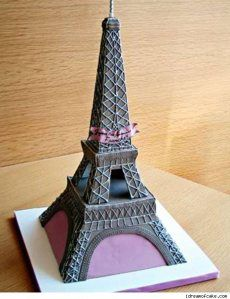 Eiffel tower cake. i love this... its sooo me :)