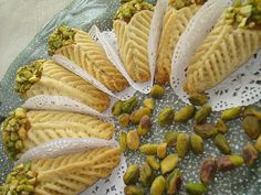 cornet aux amandes Tea Time, Cantaloupe, Food To Make, Chips, Sweets, Bread, Baking, Cake, Recipes