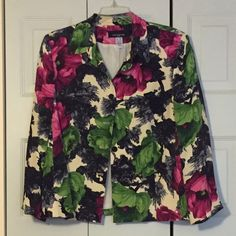 Jones New York Woman Silk career floral jacket 20w Gorgeous, elegant, lightweight. Great with black dress, career wear. Worn one season. Excellent condition - can't wear this size anymore. Got tons of compliments when I wore it! Jones New York Jackets & Coats
