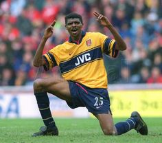 Nwankwo Kanu of Arsenal in 1999.