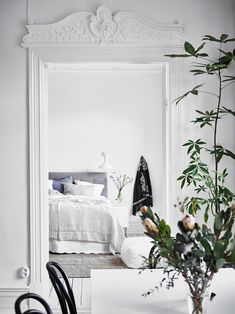 Bright and white - via Coco Lapine Design