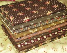 NEW Quilt Fabric Fat Quarter Bundle  by PrimitiveQuilting on Etsy, $18.00