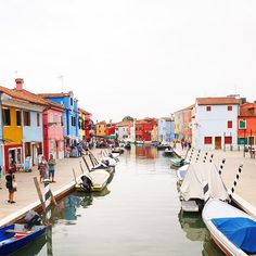 Nighty night, i'll hopefully dream about Venice tonight    Discover Burano in Italy   #venice #burano #throwback #dreams #darlingescapes #travelblogger