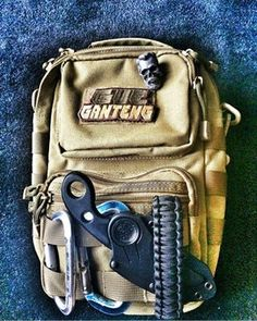 #survivalgear #edcbag #edc #gear #prep Edc Bag, Pew Pew, Survival Gear, Gears, Gear Train