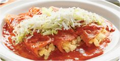 Enchiladas Tapatias    Ingredientes  1 lata de Crema de Elote Campbell's ® de 430 g 12 tortillas pasadas por aceite 4 huevos 100 g de queso fresco rallado 3 tazas de agua 1 lechuga orejona, desinfectada y rebanada ½ cebolla 4 chiles guajillos sin semillas 2 dientes de ajo 1 cucharadita de sal de grano