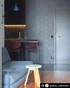 adc0936520 A versatilidade do futon é ideal para ambientes menores. Apartamento em SP  por Palma Interiores · Poltrona CamaApartamento SpVersatilidadeArquitetura