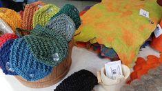 by itu - Pop Up vol2 - Siuron Lähikaupalla 09.06.2018 Itu, Pop Up, Crochet Hats, Knitting Hats, Popup