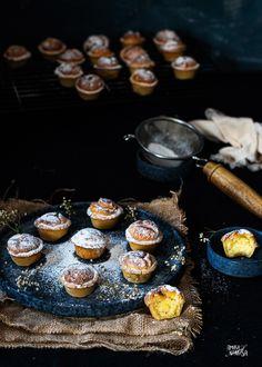 Suspiros de amante, una receta tradicional de Teruel y que debe su nombre a la historia de los amantes de Teruel. Cooking Recipes, Mini Muffins, Empanada Dough, Wafer Paper, Pret A Manger