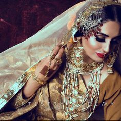 Amiran - Umrao Jaan by Artistry Academy in collaboration with Photography by Pakistani Bridal Jewelry, Indian Bridal Fashion, Bridal Jewellery, Pakistan Wedding, Antique Jewellery Designs, Indiana, Indian Princess, Pakistani Couture, Muslim Brides