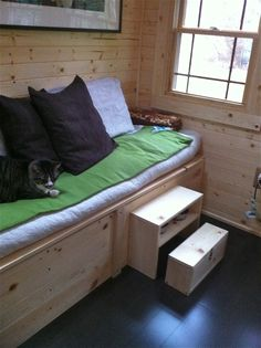 hide-away pet itmes in homemade couch-Tack & Our homemade couch! Pallet couch | for the home. | Pinterest ...