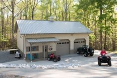 This hobby garage was built for Phil of Gaffney, SC  Special Features:    Morton's hi-Rib Steel  Cupola  Porch  Wainscot  Windows w/ Shutters  Morton'...