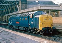 55019 'Royal Highland Fusilier' at Kings Cross on 14 Oct 1980 Electric Locomotive, Diesel Locomotive, Steam Locomotive, Train Pictures, World Pictures, Holland, Euston Station, Electric Train, British Rail