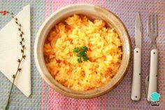 Arroz con zanahoria y cebolla - Fácil Pollo Guisado, Risotto, Rice, Ethnic Recipes, Food, Fried Fish, White Rice, Soup Bowls, Diners