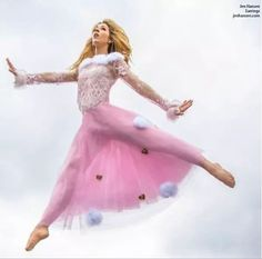 Photoshoot on a trampoline Lindsey Stirling, Lilly Singh, Good Music, Role Models, Ballet Skirt, Celebs, Photoshoot, Lady, People