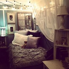 hanging lights.. we really need to do SOMETHING with our bedroom. it's so big and spacious, hardwood floors, vaulted ceiling. Spring project, yes.