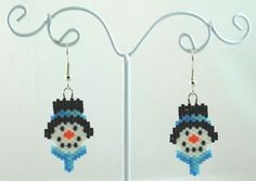 Snowman Face Beaded Earrings Winter Jewelry by LazyRose on Etsy Beaded Christmas Ornaments, Christmas Earrings, Bead Loom Patterns, Beading Patterns, Christmas Jewelry, Christmas Crafts, Beaded Earrings, Beaded Jewelry, Snowman Faces