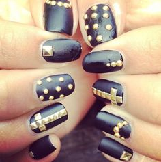urbanNATURES Loves these Black Studded Nails!