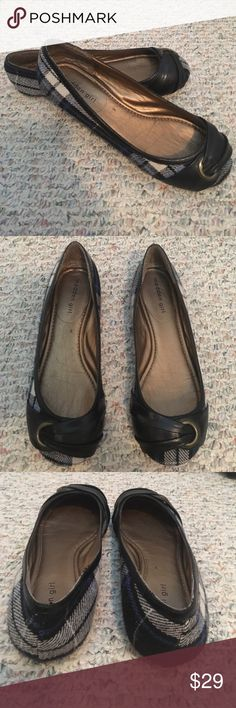 Madden Girl Ballet Flats. MOVING!! 🏡 EVERYTHING MUST GO! MAKE OFFERS & BUNDLE! Moderate Wear. Steve Madden Shoes Flats & Loafers