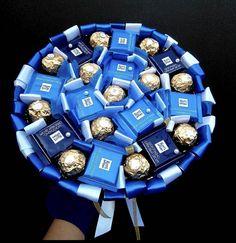 Candy Bouquet Diy, Diy Bouquet, Fruit Flower Basket, Five Senses Gift, Edible Bouquets, Bff Birthday Gift, Gift Box Design, Creative Box, Chocolate Bouquet
