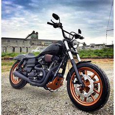 Harley Davidson News – Harley Davidson Bike Pics Harley Dyna, Harley Davidson Dyna, Canadian Penny, Dyna Super Glide, Custom Choppers, Best Classic Cars, Motorcycle Art, Club Style, New Tricks