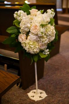 White pew flowers | Bella Rosa Floral Design