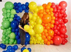 Balloon Backdrop, Balloon Decorations Party, Balloon Columns, Balloon Wall, Balloon Garland, Birthday Party Decorations, Rainbow Balloons, Blue Balloons, Elmo Party