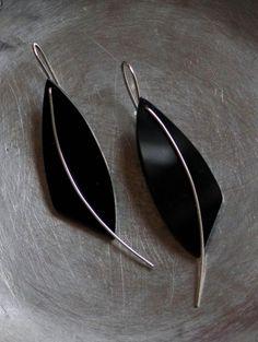 1f41ebcab4b4 Black Acrylic and Sterling Silver Collares Y Pulseras