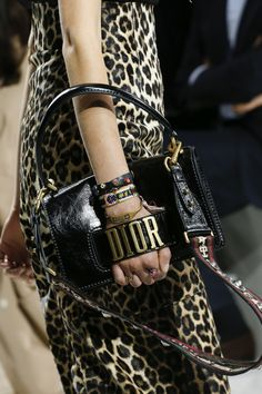 Christian Dior Spring 2018 Ready-to-Wear Accessories Photos - Vogue