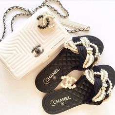 [Chanel Collection 30] by @my_fashion_collection42 . ----------------------- Follow us to get your daily dose of Chanel! ❤