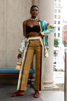 Colorful vegan leather strips lend an unexpected touch to a pair of mid-rise khaki trousers. Grunge Style, Soft Grunge, Black Girl Fashion, Punk Fashion, High Fashion, Fashion Outfits, Fashion Sets, Female Fashion, Curvy Fashion