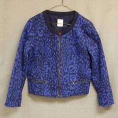 """GAP Stretch Cotton Jacket With ZIP Detail This versatile jacket is deep navy with cobalt blue pattern . the two pockets and front zip with brass zippers Lined in cotton with silky sleeve linings. Bust measures 40"""". GAP Jackets & Coats"""