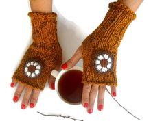 #knitmittens #fingerlessgloves #handknitglove #crochetfingerless #womenglove #warmglove #mustardgloves #winteraccessories #womengift #christmasgift #knittedgloves #knitfingerless #etsycrochet