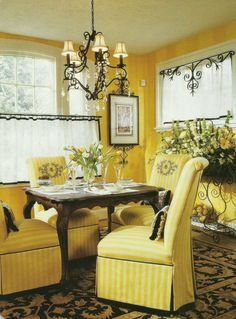 Ideas Bedroom Black Yellow Interior Design For 2019 Yellow Home Decor, Yellow Interior, Interior Exterior, Interior Design, Yellow Dining Room, Style Cottage, Cozy Cottage, Yellow Cottage, Yellow Houses
