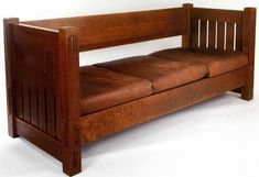 Gustav Stickley sofa with leather cushions Craftsman Furniture, Wood Furniture, Furniture Design, Gustav Stickley, Mission Style Furniture, Bungalow Interiors, Arts And Crafts Furniture, Art And Craft Design, Wooden Sofa