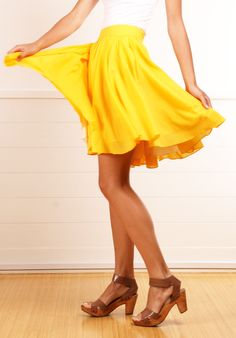 Morine Comte Marant yellow pleated skirt
