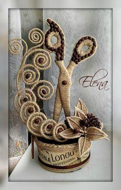 Technique Of Jute Filigree - - Diy Crafts - Twine Crafts, Craft Stick Crafts, Diy Craft Projects, Diy And Crafts, Arts And Crafts, Wine Bottle Crafts, Bottle Art, Burlap Flowers, Fabric Flowers