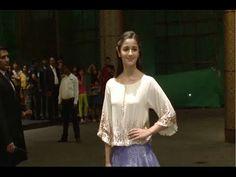 WATCH Alia Bhatt at Shahid Kapoor and Mira Rajput's wedding reception. See the full video at : https://youtu.be/tPQ_SQ4TdAU #aliabhatt