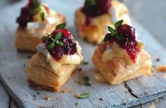 Cranberry camembert puffs