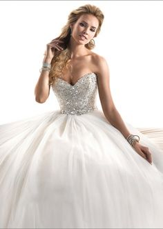 Ball Gown Princess Sweetheart with Diamond Decoration Wedding Dress Online