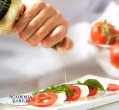 Mozzarella Tomaten Basilicum Salade via Academia Barilla